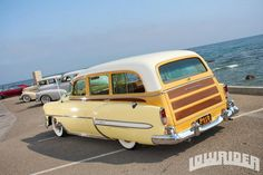 sweet 53 or 54 chevy wagon