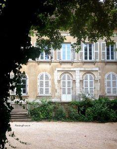 Mad About-Garden-Design- French Garden :Chateau, Merci, Fleaing