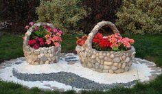 Διακόσμησε τον κήπο σου με πέτρινες γλάστρες - iPop