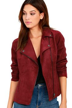 Everyone will be coveting the Olive & Oak Highly Desired Wine Red Suede Moto Jacket! Soft microfiber suede moto jacket with a collared neckline and an asymmetrical zipper. Winter Outfits, Fall Fashion Outfits, Fall Fashion Trends, Autumn Fashion, Outfits 2016, Fashion 2016, Style Fashion, Red Suede Jacket, Leather Jacket