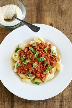Oil-free, GF Pasta Shells with Chickpea Meat Sauce An Unrefined Vegan