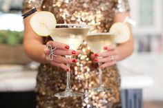 10 fun and pretty cocktail recipes for your #NYE party!