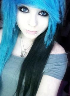 Since like over half of my hair was bleached, just need to take the color out and put in blue to get this ^_^