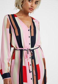 a5a434d1b60 Vero Moda Petite VMMATILDA KNEE DRESS - Vestido informal - prism pink -  Zalando.es