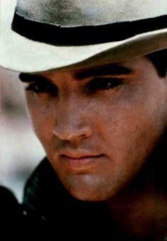 Elvis Presley Photos, Vintage Hollywood, Good People, Cowboys, Favorite Things, Happiness, King, Eyes, Nostalgia