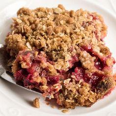 Easy Rhubarb Recipes, Rhubarb Desserts, Rhubarb Cake, Cookie Desserts, Rhubarb Crumble, Rhubarb Crisp Recipe, Rhubarb Apple Crisp, Delicious Desserts, Yummy Food