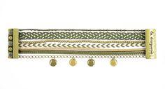 Pour réaliser son bracelet ″Croco″, on choisit une harmonie de couleur. Un peu de colle dans un fermoir magnétique, c'est très facile !! #bijoux #LaDroguerie