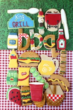 If your dad likes to grill.here& some cookies he is going to love! Oh how fun it was to pick out lots of different shapes to go with a BBQ theme.Check out the links below for tutorials and cutte Summer Cookies, Fancy Cookies, Iced Cookies, Cut Out Cookies, Cute Cookies, Royal Icing Cookies, Cookies Et Biscuits, Holiday Cookies, Cupcake Cookies