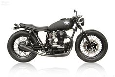 The aesthetics of the Kawasaki W650 engine has always fascinated the custom motorcycle builders around the globe. The latest creation from