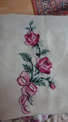 Cross Stitching, Cross Stitch Embroidery, Hand Embroidery, Cross Stitch Patterns, Ribbon Work, Cross Stitch Flowers, Blackwork, Christmas Crafts, Crafty