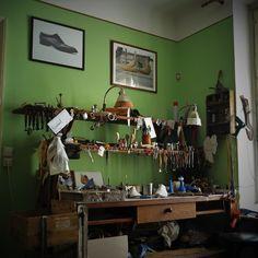 Workshop , i feel better in green    #workshop #myslíkova #lawart #shoemaker #prague