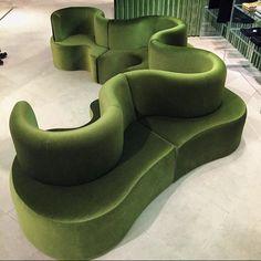 "hamdi on Twitter: ""I want this so bad… "" Funky Furniture, Furniture Design, Art Deco Furniture, Casa Jenner, Retro Interior Design, Aesthetic Room Decor, Dream Home Design, Dream Decor, My New Room"