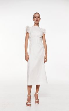 If you love Princess Diana's wedding dress or you're a bridal trendsetter, you'll want to hear the news: taffeta wedding dresses are back! Beckett Dress by Rachel Gilbert