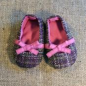 Keeley Baby Shoes Pattern - via @Craftsy