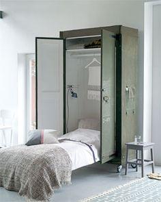 Isso seria uam solução criativa pra falta de espaço em casa. rs