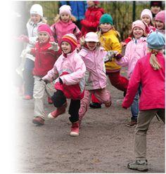 Liikuntakasvatuksen suunnittelu, Nuoren Suomen suunnittelen liikuntaa palvelu Ronald Mcdonald, Hats, Fictional Characters, Hat, Fantasy Characters, Hipster Hat