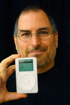 2000 – 2001 Steve Jobs with Sun's Scott McNealy In the Apple board room iBook introduction (1 May 2001) iPod introducti...