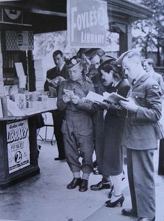 Wartime Reading in London — 2 pennies for a read from this street kiosk library. I Love Books, Good Books, Books To Read, Reading Books, People Reading, Woman Reading, World History, World War Ii, Old London