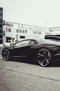 Lamborghini Aventador with Estoque wheels