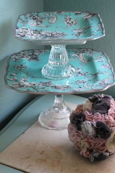Tiffany Blue Weddings  Dessert Pedestal for by TheRocheStudio, $75.00.  These would be so easy to make!