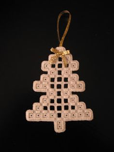 With needle and thread: Hardanger ornaments # Faden St … – Embroidery Desing Ideas Types Of Embroidery, Learn Embroidery, Embroidery Patterns, Bookmark Craft, Crochet Hook Set, Drawn Thread, Hardanger Embroidery, Cross Patterns, Christmas Embroidery