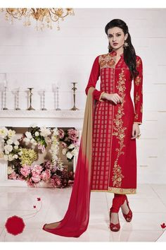 Make the heads flip the moment you dress up in this sort of a attractive red cotton churidar suit. The enticing embroidered, lace and resham work a vital attribute of this attire. Comes with matchin. Beautiful Pakistani Dresses, Pakistani Dresses Online, Pakistani Suits, Churidar Suits, Salwar Kameez, Wedding Salwar Suits, Designer Salwar Suits, Indian Ethnic Wear, Indian Designer Wear
