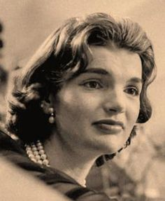 Jackie Kennedy short hair style