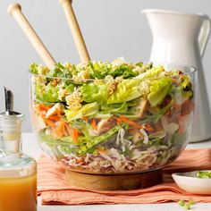 Grilled Chicken Ramen Salad - - I love this chicken ramen salad because it's a complete meal in one bowl. Everyone loves when it's on the table, which doesn't happen every night (but I relish when it does). Ramen Salad, Soup And Salad, Coleslaw Mix, Chicken Stuffed Peppers, Food Test, Taste Of Home, Grilled Chicken, Chicken Salad, Vinaigrette