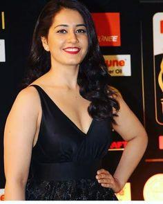 Hot and Beautiful Bollywood Actress Hot Photos, Actress Photos, Tamil Actress, Beauty Full Girl, Beauty Women, Hot Actresses, Indian Actresses, Rashi Khanna Hot, All Hollywood Actress