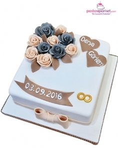 Advanced Photoshop tutorials on how to create professional looking photos. Anniversary Cake Designs, Happy Anniversary Cakes, Wedding Anniversary Cakes, Engagement Cake Design, Engagement Cakes, Heart Wedding Cakes, Wedding Cake Fresh Flowers, Fondant Cake Designs, Fondant Cakes