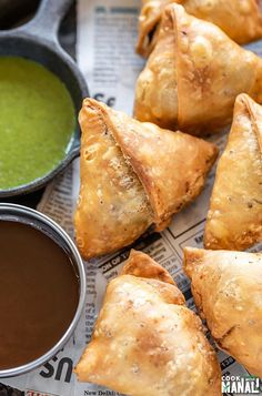 Crispy, flaky Samosa is the perfect appetizer for any celebration. Filled with a spicy potato filling, this Samosa is also vegan! #indian #samosa #appetizer Samosa Recipe, Pakora Recipes, Curry Recipes, Veggie Recipes, Indian Food Recipes, Great Recipes, Vegetarian Recipes, Snack Recipes, Cooking Recipes