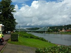 Allemagne (ex-RDA) - L'Elbe - Faubourgs de Dresden