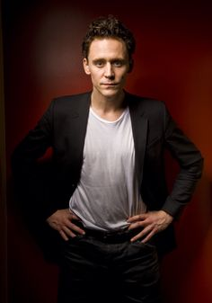 Tom Hiddleston by Francesco Guidicini. Via Torrilla.tumblr.com.