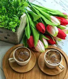 Coffee And Books, I Love Coffee, My Coffee, Good Morning Coffee, Coffee Break, Morning Msg, Breakfast Tea, Coffee Photography, Tea Art