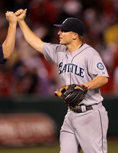 Kyle Seager bangs out 2 hits, drives in 4 in Mariners' 8-6 win over Angels. 6/6/12