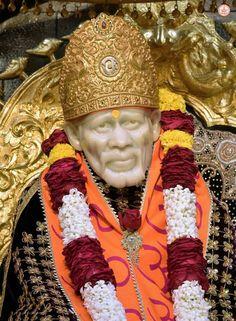 Sai Baba Quotes, Swami Samarth, Sai Baba Wallpapers, Lord Mahadev, Om Sai Ram, God Pictures, Indian Gods, Beautiful Saree, Krishna