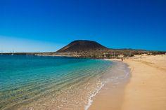 Playa de la Francesa, La Graciosa, Lanzarote, Islas Canarias Tenerife, Spanish Islands, Free Mind, Island Food, Island Design, Beach Bars, Canario, Island Beach, Canary Islands