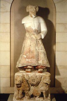 Khirbat al-Mafjar, Statue dite du calife, stuc, milieu du VIIIe siècle. Jérusalem, Musée Rockefeller.