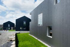 Singelfamily house  Built: 2015 Architect: Marita Hamre  Cladding: Accoya Windows: Ideal Combi Futura+ Wooden Houses, Architect House, House Built, Cladding, Garage Doors, Windows, Building, Outdoor Decor, Inspiration