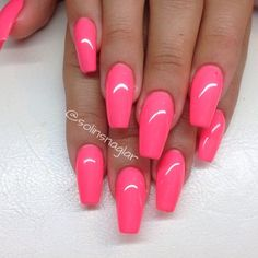 Bubblegum Barbie nails