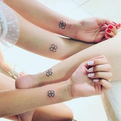 Meaningful Matching BFF Tattoos Designs to Try for Ladies and Sisters - Page 19 of 30 - ShowmyBeauty Siblings Tattoo For 3, Sibling Tattoos, Sister Tattoos, Friend Tattoos, Mini Tattoos, Body Art Tattoos, Small Tattoos, Tatoos, Heart Tattoos