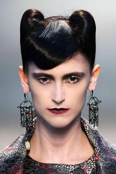 23 beauty & hair Halloween ideas taken from the runways: