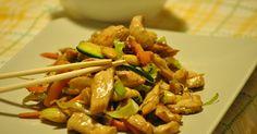 Sorelle in pentola: Bocconcini di pollo caramellati alla soia, in 15 minuti.