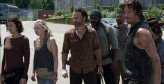 La nueva temporada  de  'The walking dead' arrancará donde se quedó todo en el capítulo final de la cuarta. Rick (Lincoln) consigue reunirse con Daryl (Norman Reedus) y su antiguo grupo,