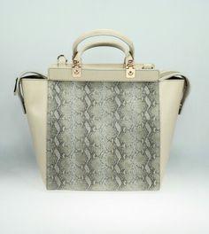 Borsa in pelle colore beige e pelle stampata  tuscanybags.net  madeitaly   bags 16878ca3192