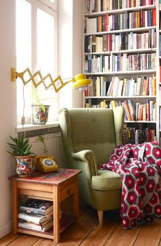 Design a reading corner in your house,Sometimes, all you need in life is a comfy chair to snuggle into and a good book. Check out my simple interior design tips to create your very own rea. Home Design, Home Interior Design, Simple Interior, Design Dintérieur, Interior Livingroom, Interior Ideas, Cosy Interior, Interior Decorating, Budget Decorating