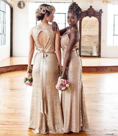 Sparkle it up ladies! #munabridesmaids . . #Repost @nanaannanphotography These bridesmaids dresses are STILL everything! #tbt #nanaannanphotography Featured in the @munaluchibride fall/winter 2016 print issue! #munafw16 . . . #planner and #floraldesign @prettyposhdesign | #bridesmaids #dresses @boutiquebybelle #mua @juicylooks_mua #hairstylist @hairatease #weddingideas #bridetobe #njwedding #internationalphotographer #publishedphotographer #njweddingphotographer #weddingphotographer #bling…
