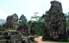 My Son, serene Vietnamese Hindu temples ~ Batnomad My Son Temple, Temple Ruins, Hindu Temple, Army Gears, Khmer Empire, Valley Of The Kings, Archaeological Site, 14th Century