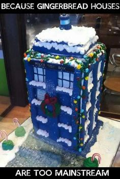 Ready for some Doctor Who today? To celebrate the Doctor Who Christmas Special, how about a delicious TARDIS gingerbread house? The Tardis, Tardis Cake, Dr Who, Christmas Themes, Christmas Crafts, Christmas Holidays, Merry Christmas, Christmas Goodies, Christmas Decorations