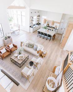 Living Room Inspiration, Home Decor Inspiration, Decor Ideas, Style At Home, Home Living Room, Living Room Decor, Living Room Interior, Apartment Living, Kitchen Interior